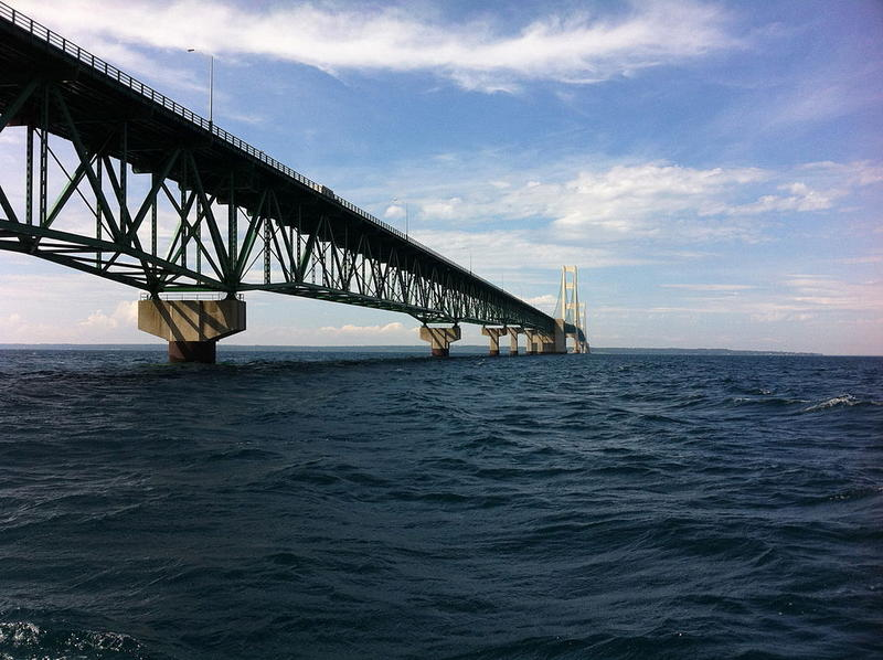 Conservatives, liberals blast Enbridge for new faults in Mackinac Straits pipeline